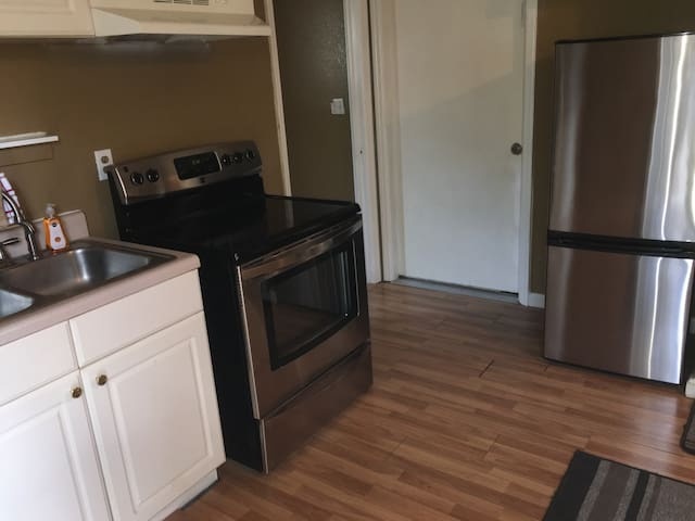 Spacious mother-in law studio - Pinellas Park