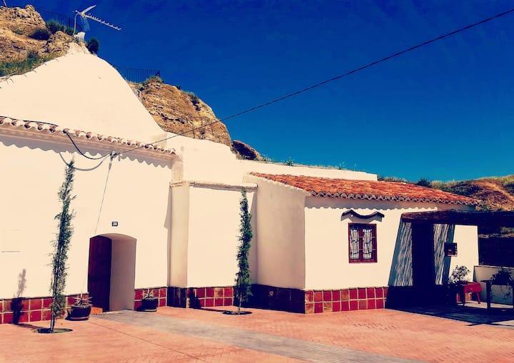 """Amazing cave house, """"El Mirador"""""""