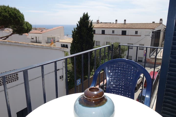 Duplex penthouse in the center of Calella de Palafrugell with indoor parking