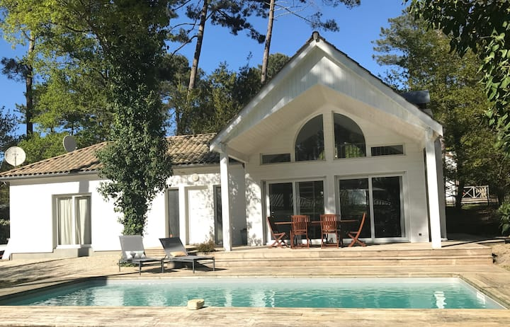 Villa Pyla, piscine chauffée, Golf, Lac et Océan