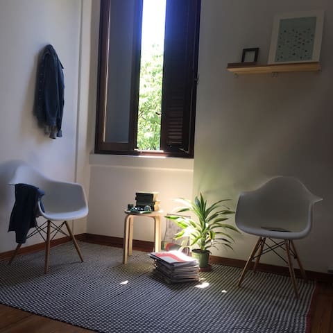 Large double bed room in a strategic position! - Milaan - Appartement