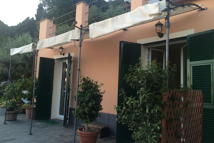 Lovely Villa in Genova with Garden