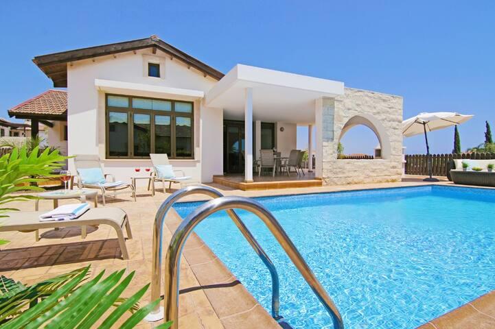 Villa Zandra - Ayia Thekla, Cyprus