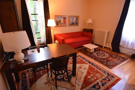Montgomery Place - One Bedroom