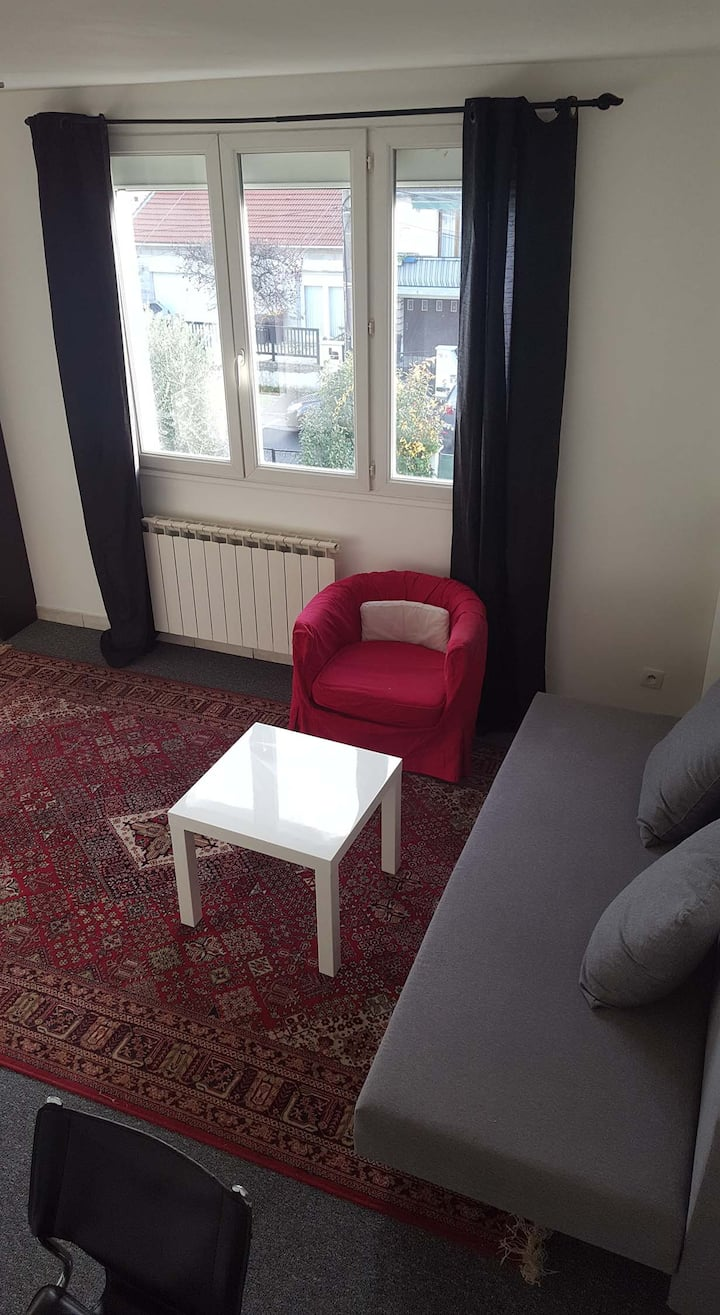 2 rooms flat 1 tram station to Paris-Orly airport