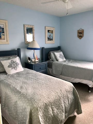 Bedroom #2 - Two Twin Beds