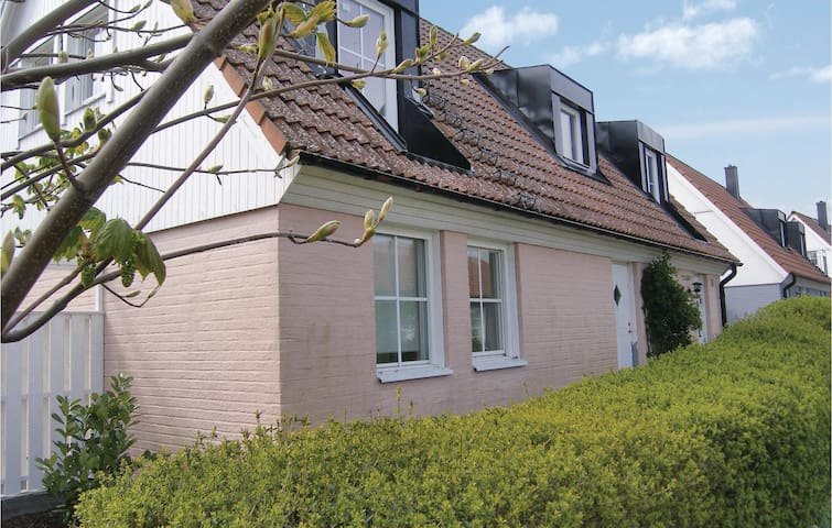 Holiday cottage with 3 bedrooms on 120m² in Brantevik