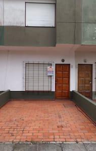 Duplex en la lucila a 100 mtr /mar - La Lucila del Mar - Casa