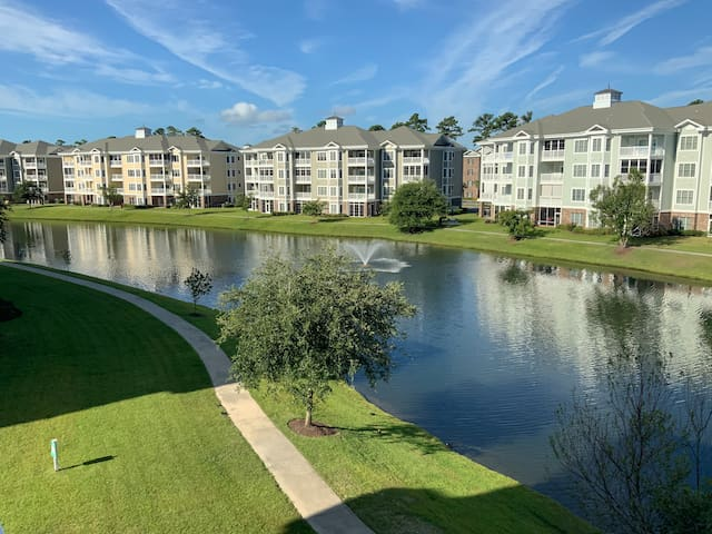 Myrtlewood condo 2BR and 2 full BA with lake view