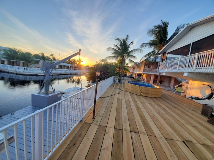 Great key Largo home with water front and pool