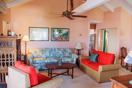 Vintage Aloha Oceanside Suite