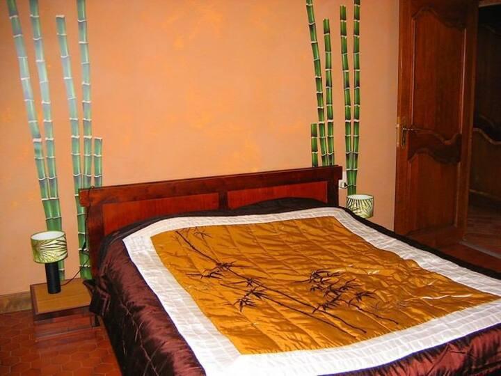 Gîte La Provence : Chambre Bambou (Bollène 84500)