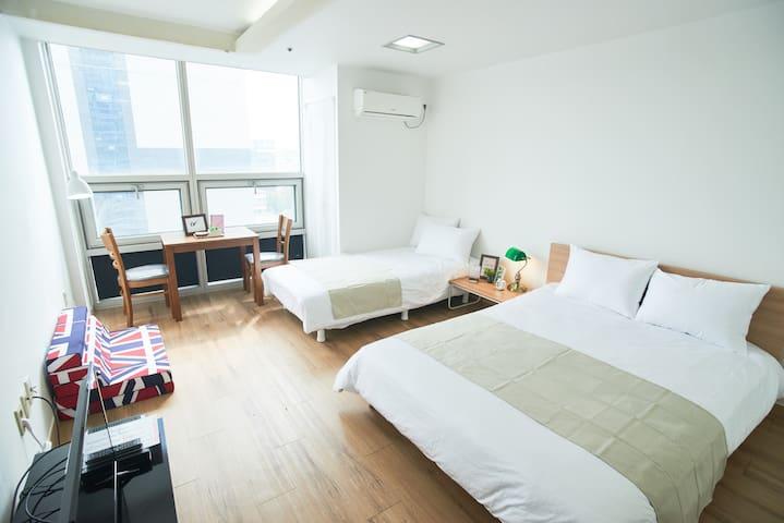 ♥New♥ Excellent Location @ Dongdaemun/Dongmyo V7