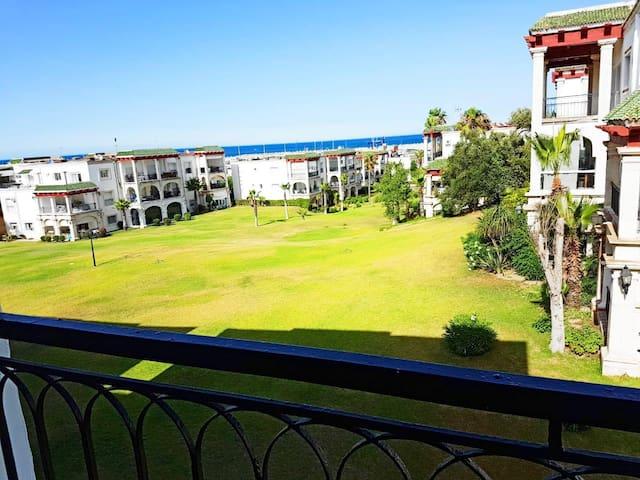Appartement de luxe à Marina Smir au bord de plage