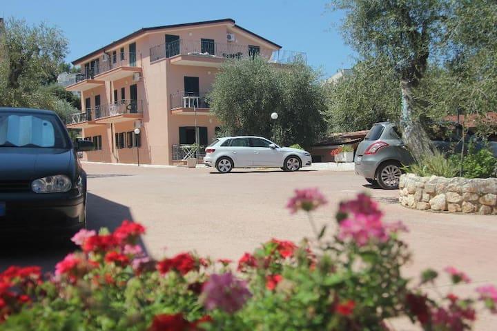Accogliente & confortevole trilocale - Rodi - Apartment