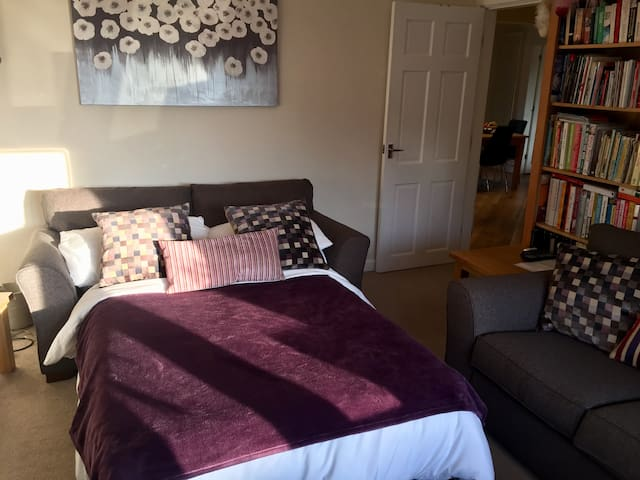 ★ Comfortable sitting room with sofa bed ★ nr  M6