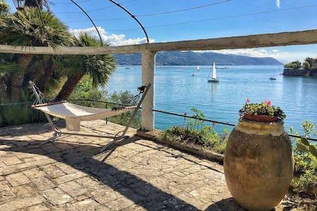 Portovenere Villa with private beach and garden