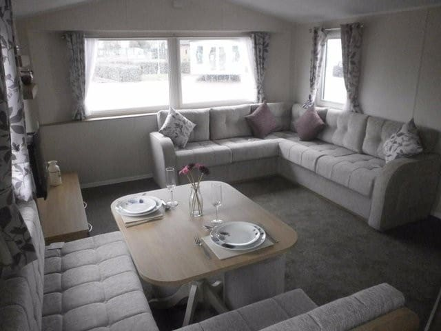 2 Bed Caravan at Rockley Park