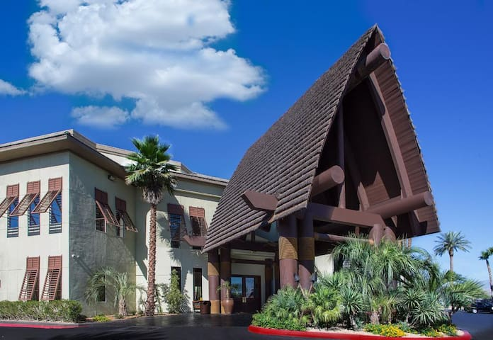 Tahiti All Suites Resort: 1-BR, Sleeps 4