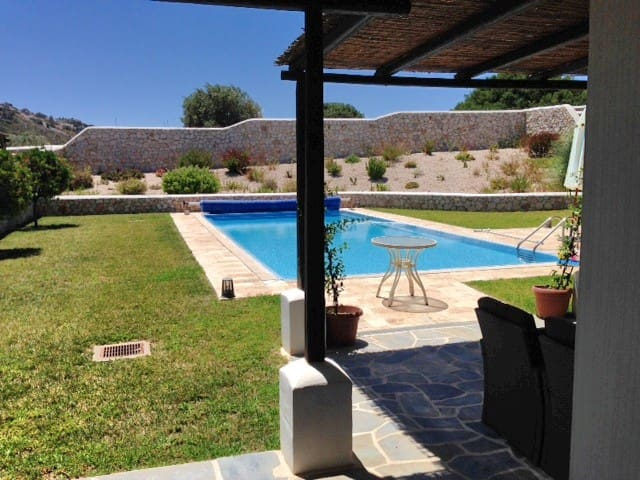 Villa Hermes  outdoor Jacuzzi & pool Anthony Quinn - Rhodes
