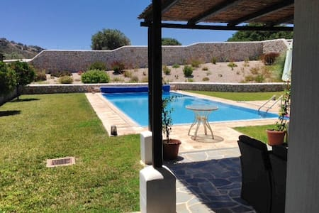 Villa Hermes  outdoor Jacuzzi & pool Anthony Quinn - Rodos - Talo