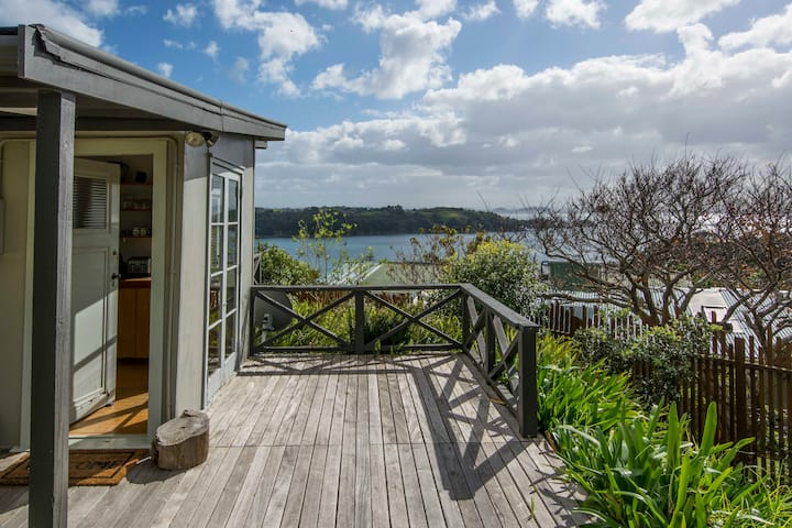 Queens Cottage on Waiheke | Be My Guest