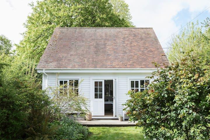 Summerhouse front