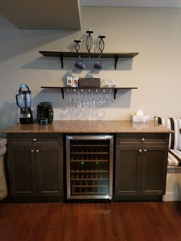 Wine / Coffee Bar
