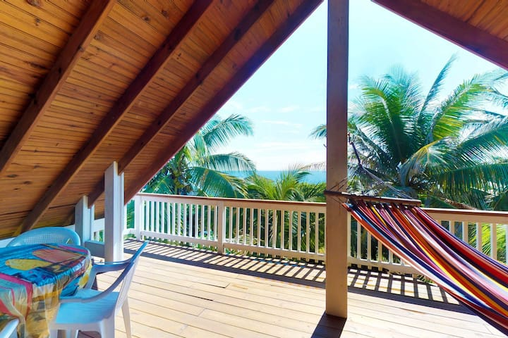 Elegant villa in upscale community with shared pool & ocean views!