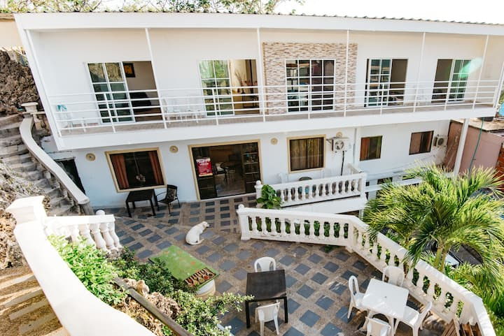Hostel Rock house Habitacion triple