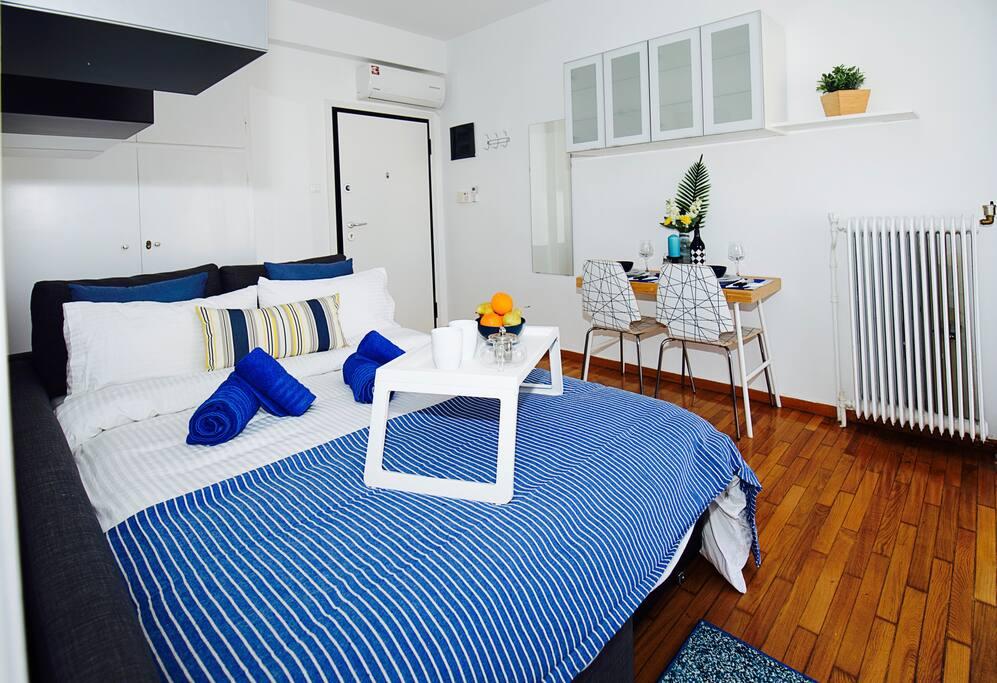 The Santorini Studio, Acropolis view! - Apartments for ...