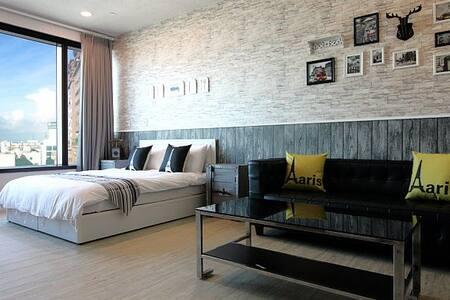 ◆高雄85大樓◆街景景觀冰島風格套房(全房經自主臭氧消毒處理)