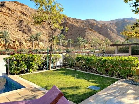 villa with swimming pool, mountain & lagoon view
