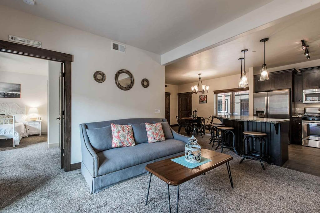 """Relax in our modern family-friendly 3 bedroom, 2 bathroom condo located right near """"Canyons at Park City"""" the largest ski resort in the United States."""
