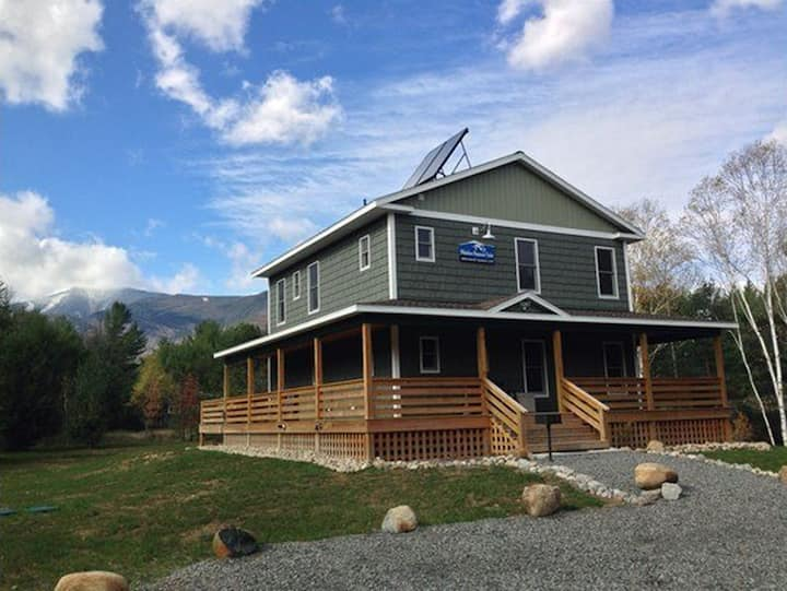 Hot Tub, Sauna, Lake Everest, Dog Friendly, 1.4 mi to Whiteface: WMC