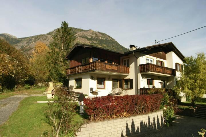 Vaste appartement entre le Mölltaler Gletscher (glacier) et le Millstätter See