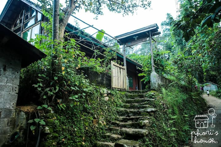 Phơri's House - BY THE CREEK homestay.