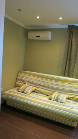 Современная уютная квартира возле моря ул.Ленина,9 - Chornomorsk - Apartamento