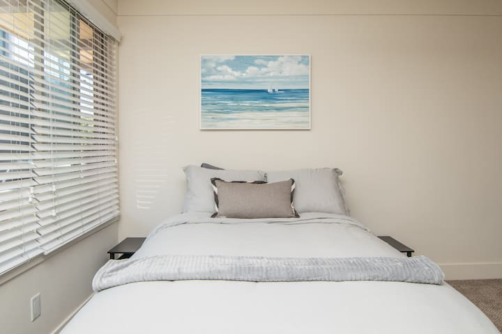 Walk to La Jolla Beach from a Charming Studio