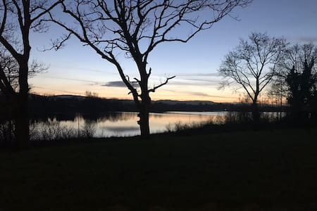Lough Corrib lakeside en-suite