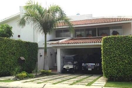 Nice  house,pool ,golf kart,ping pong LomasCocoyoc