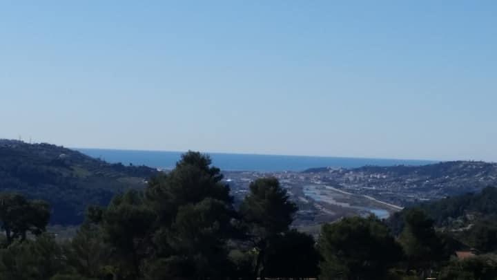 3 Pièces dans Villa avec vue mer panoramique