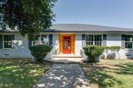 Modern Home for the Holiday! Minutes from Downtown - Dallas