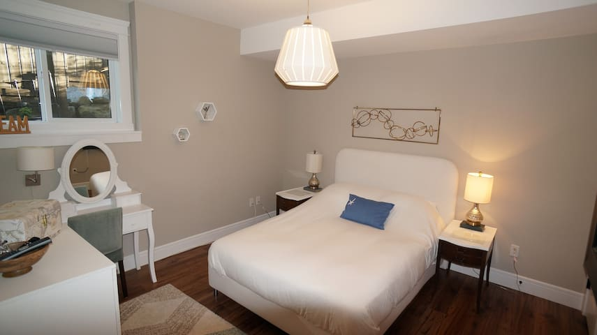 By The Bay Bed and Breakfast-Beach Suite