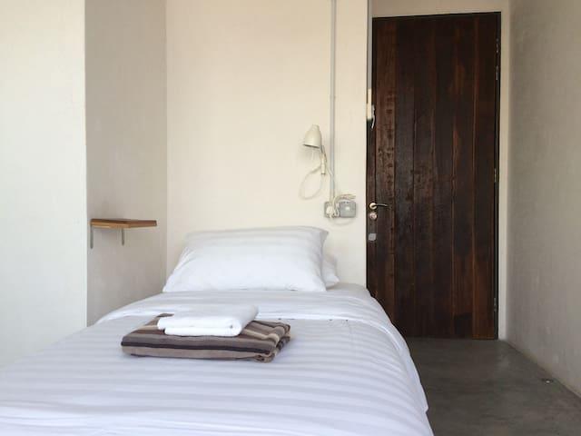 Single Room #5 in Inner City House - SINKEH