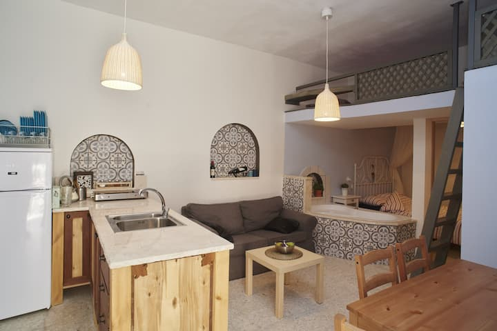 Jerusalem Boutique Vacation Rental in Katamon