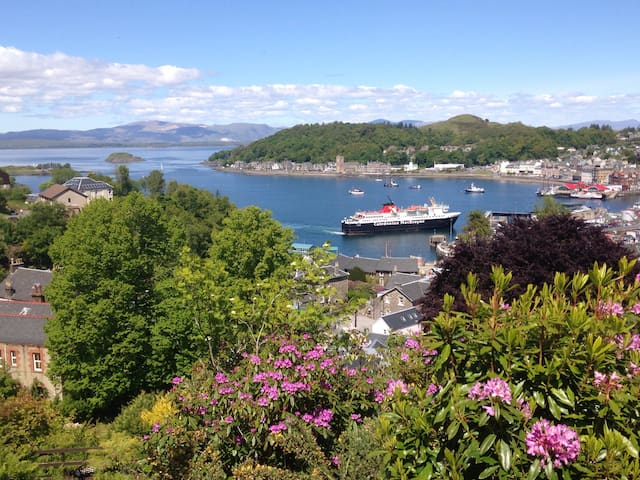 Twin room in Oban, stunning views