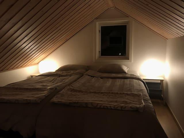 Stora sovloftet med 2 st enkelsängar