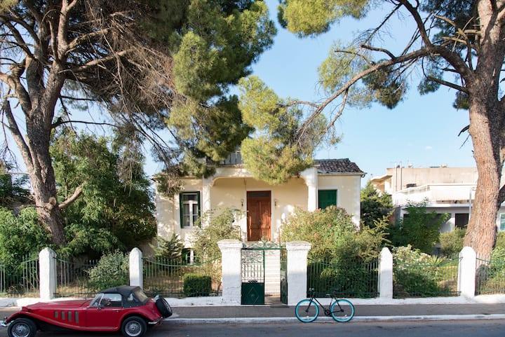 Megalopolis Grand Villa 1920