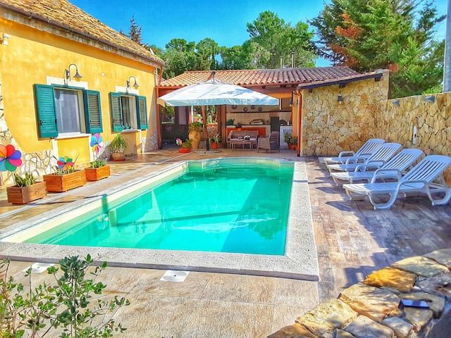 Villa avec piscine près de Sélinonte